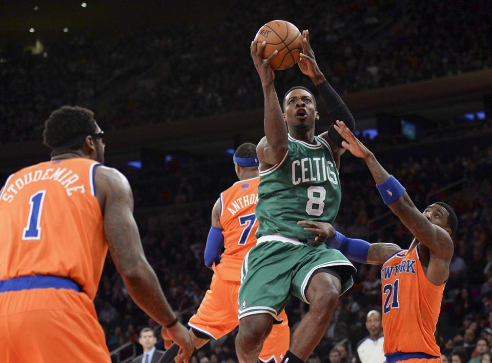 Jeff Green went to the basket in the first half.