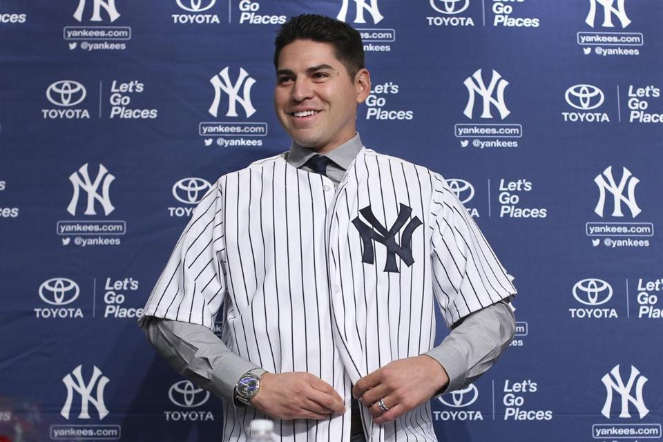 Jacoby Ellsbury donned his No. 22 Yankees jersey for the first time Friday.