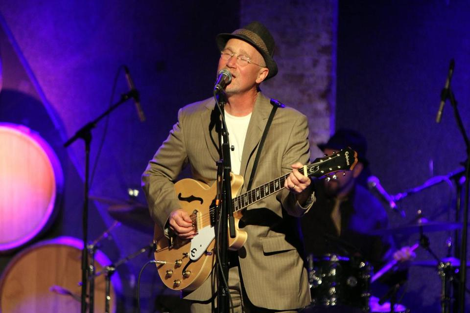 Marshall Crenshaw (pictured performing in New York) played two shows Saturday night at Club Passim.