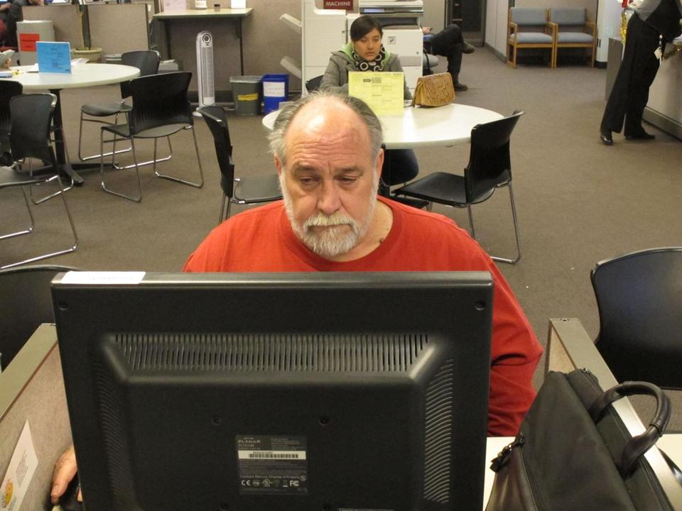 Richard Mattos, 59, looked for jobs at a state-run employment center in Salem, Ore., earlier this week. He is one of more than 1 million Americans losing federal unemployment benefits today.