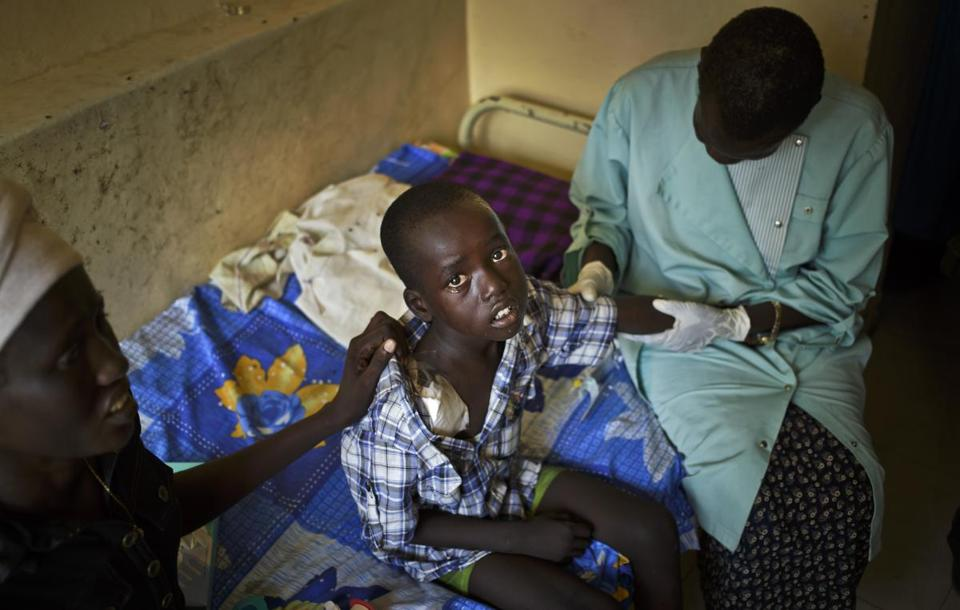 A 6-year-old child who sustained a gunshot wound to his shoulder during fighting in Bor and managed to travel by boat for treatment, was examined by doctors on Saturday at a military hospital in Juba, South Sudan.