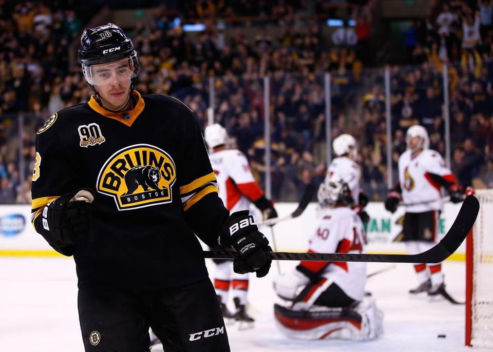 Reilly Smith has had chemistry on the Bruins' second line — 22 points in 13 games — and now leads the team with 15 goals.