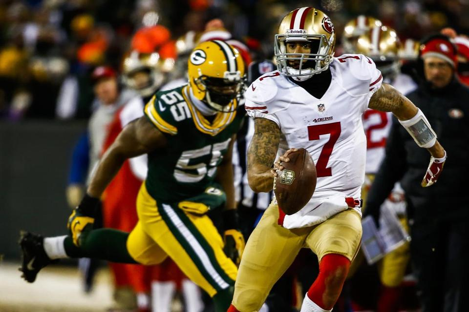 Colin Kaepernick races past the Packers' Andy Mulumba for an 11-yard run and a first down that set up the winning field goal.