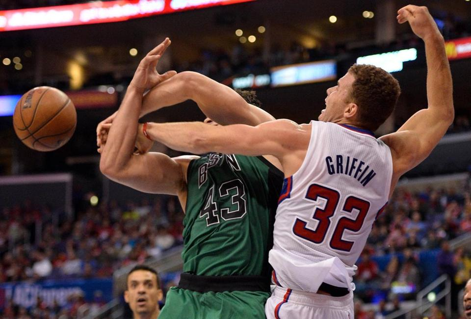 Kris Humphries drew a foul from the Clippers' Blake Griffin on this play.