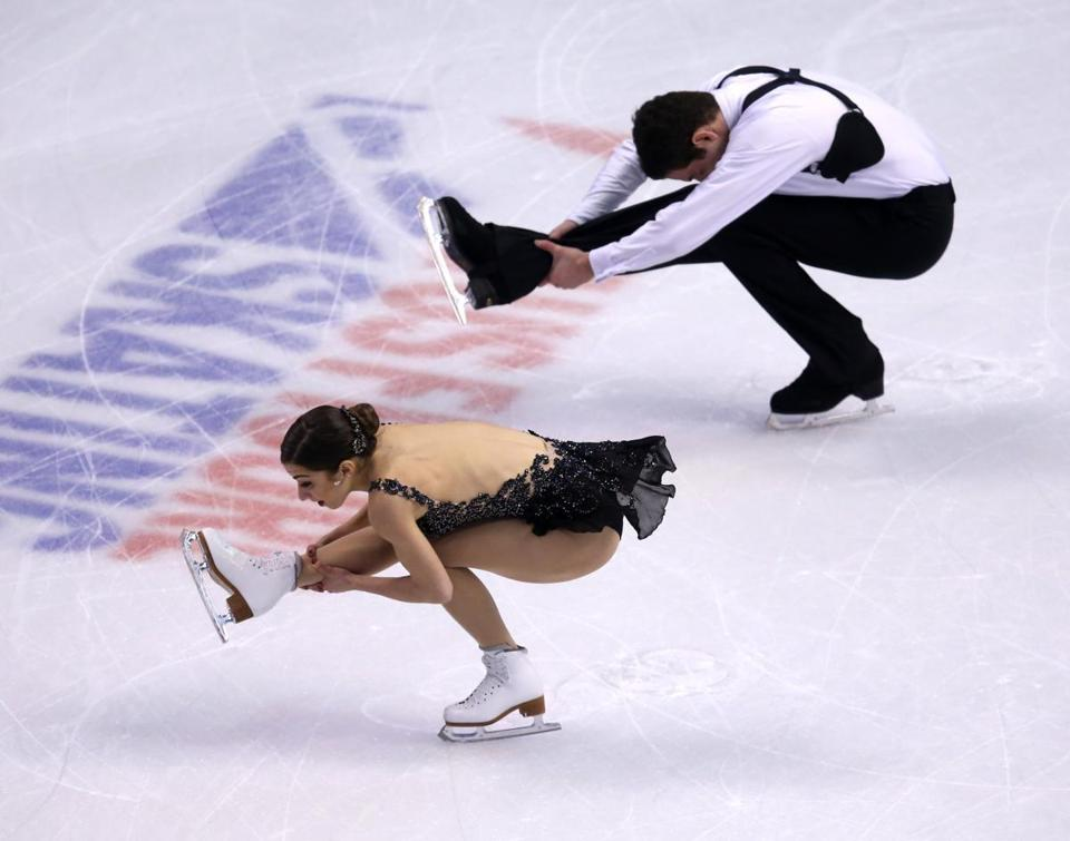 Marissa Castelli and Simon Shnapir won the pairs title at the US Figure Skating Championships at TD Garden.