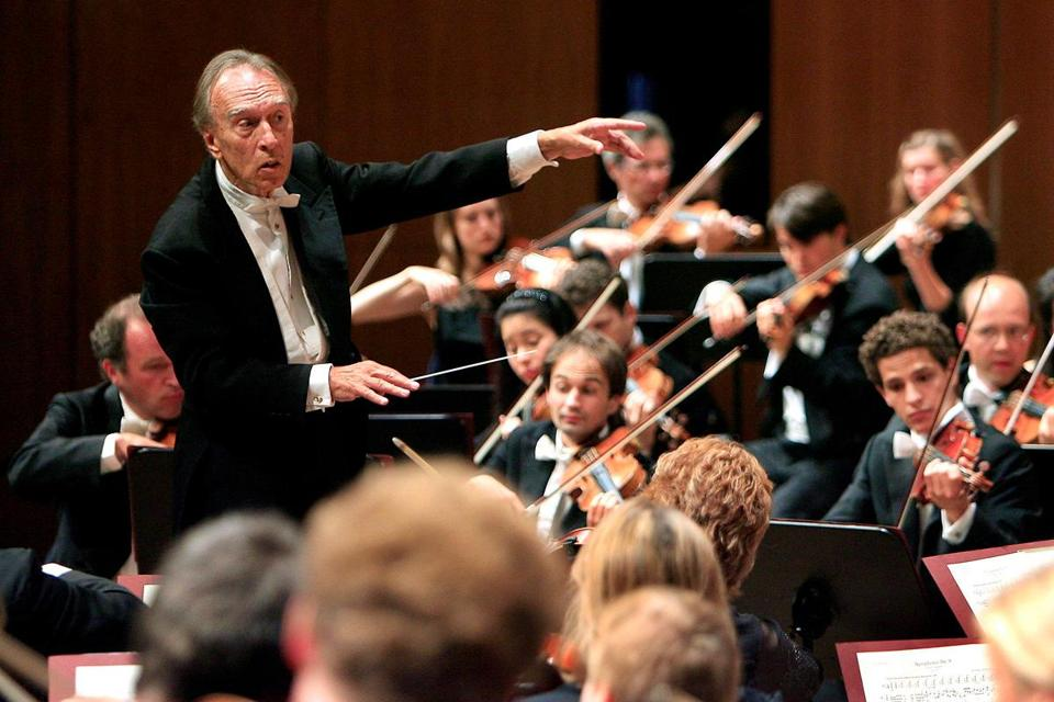 Mr. Abbado was communicative at the podium and enjoyed working with young musicians.