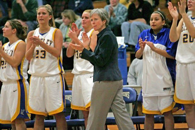 Bentley women's basketball coach Barbara Stevens recorded her 900th victory on Saturday.