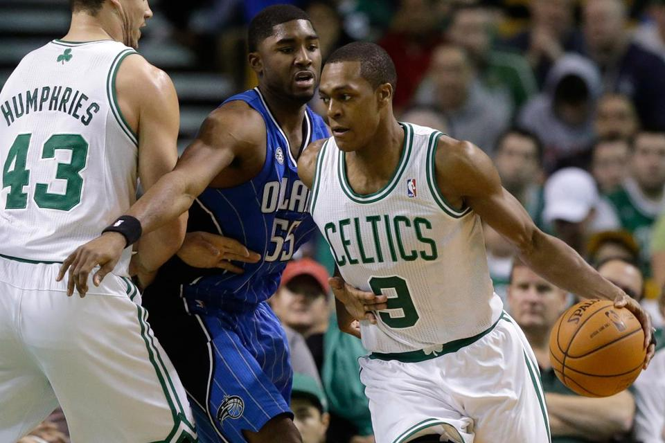 Rajon Rondo hit 9 of 11 shots and added 6 rebounds and 3 steals in nearly 27 minutes.