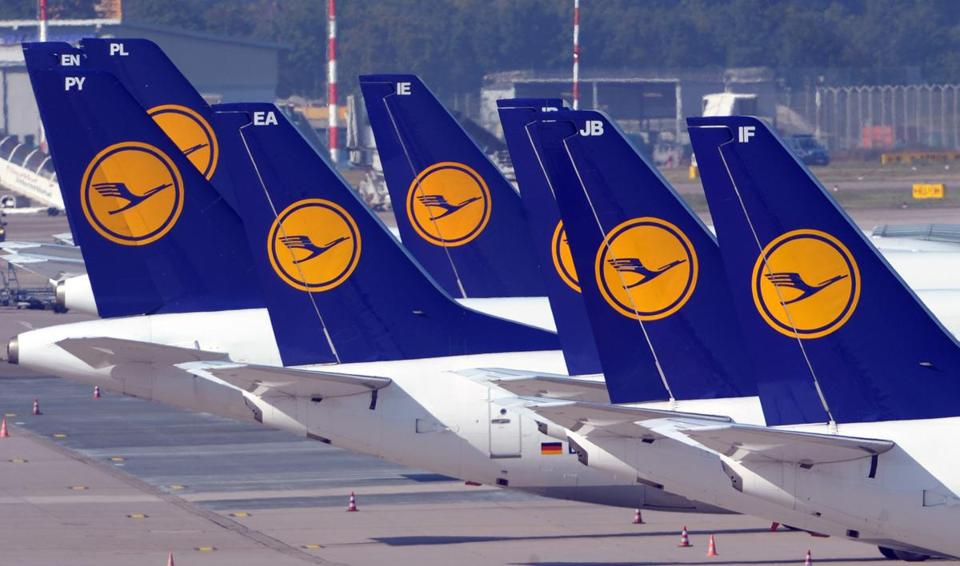 Lufthansa and its pilots union would have several weeks to reach an agreement over a long-running pay dispute.