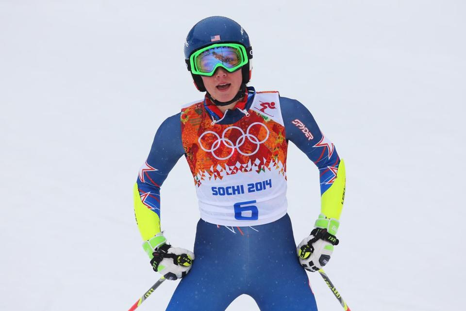Difficult weather conditions didn't help Mikaela Shiffrin's cause in the giant slalom.