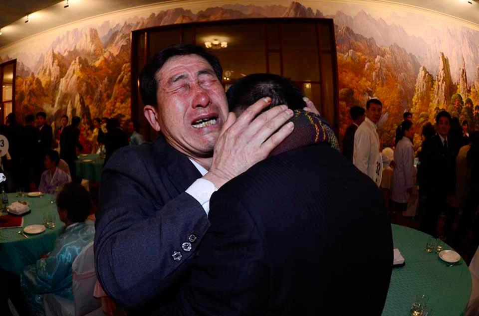 South Korean Park Yang-Gon (left) met with his North Korean brother Park Yang-Soo after being separated for 60 years.