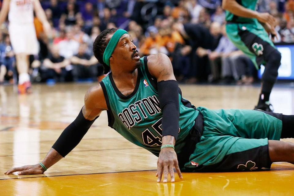 Gerald Wallace said he had no timetable for a return and that he was told that he should be fine 2-4 months after the surgery, depending on the rehabilitation process.