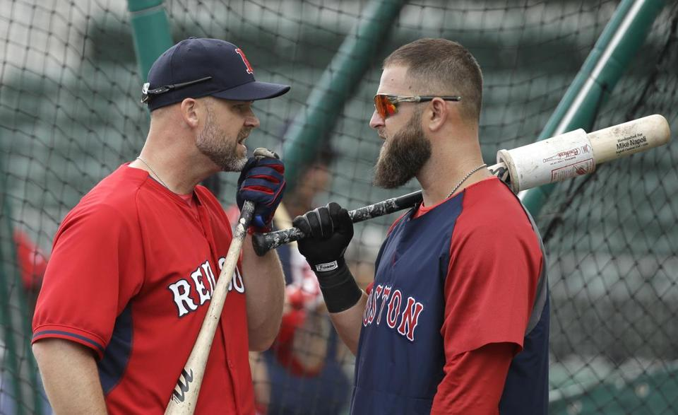 David Ross (left) had a pregame chat with Mike Napoli before the Red Sox took on the Braves Friday. . (AP Photo/Steven Senne)