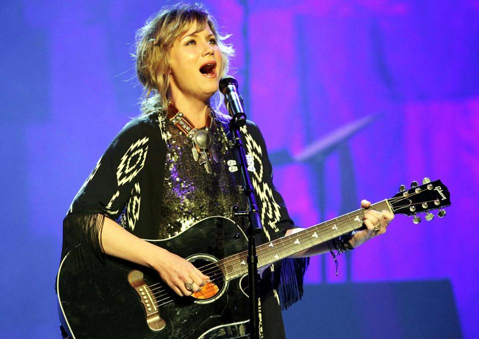Jennifer Nettles (pictured earlier this year in Atlanta) played the House of Blues on Saturday.