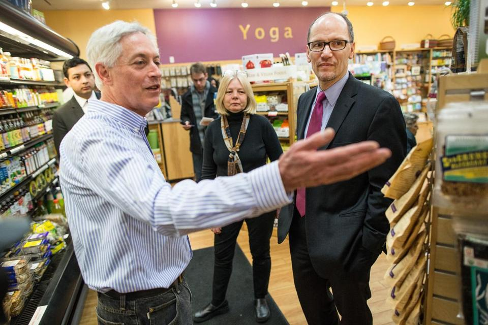 Cambridge Naturals owners Michael Kanter and Elizabeth Stagl showed US Labor Secretary Thomas Perez around their store.