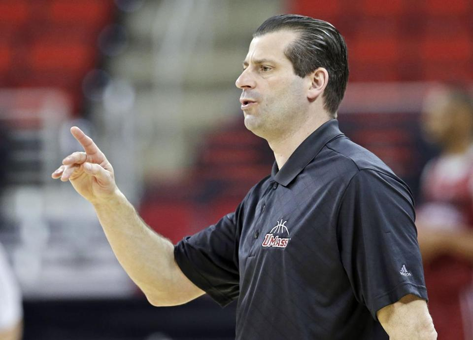 UMass coach Derek Kellogg directed his team during Thursday.