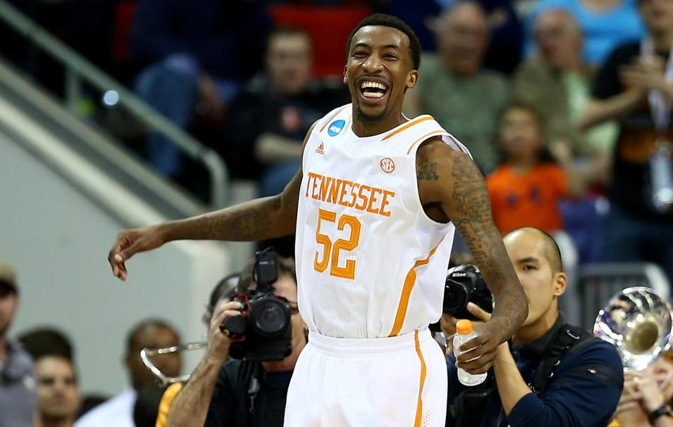 Jordan McRae celebrated late in the game as Tennessee took on Mercer in the third round of the NCAA Tournament. The Volunteers beat the Bears 83-63.