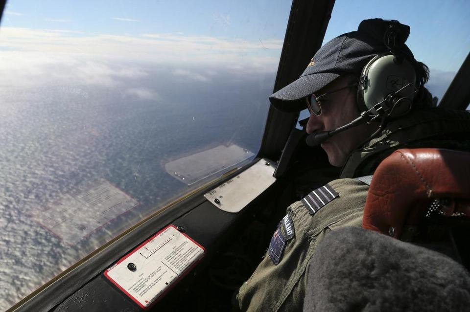 Captain Rob Shearer of the Royal New Zealand Air Force scanned the ocean for signs of Malaysia Airlines Flight 370.