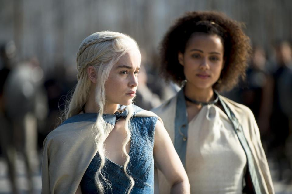 Emilia Clarke and Nathalie Emmanuel in a scene from season 4.