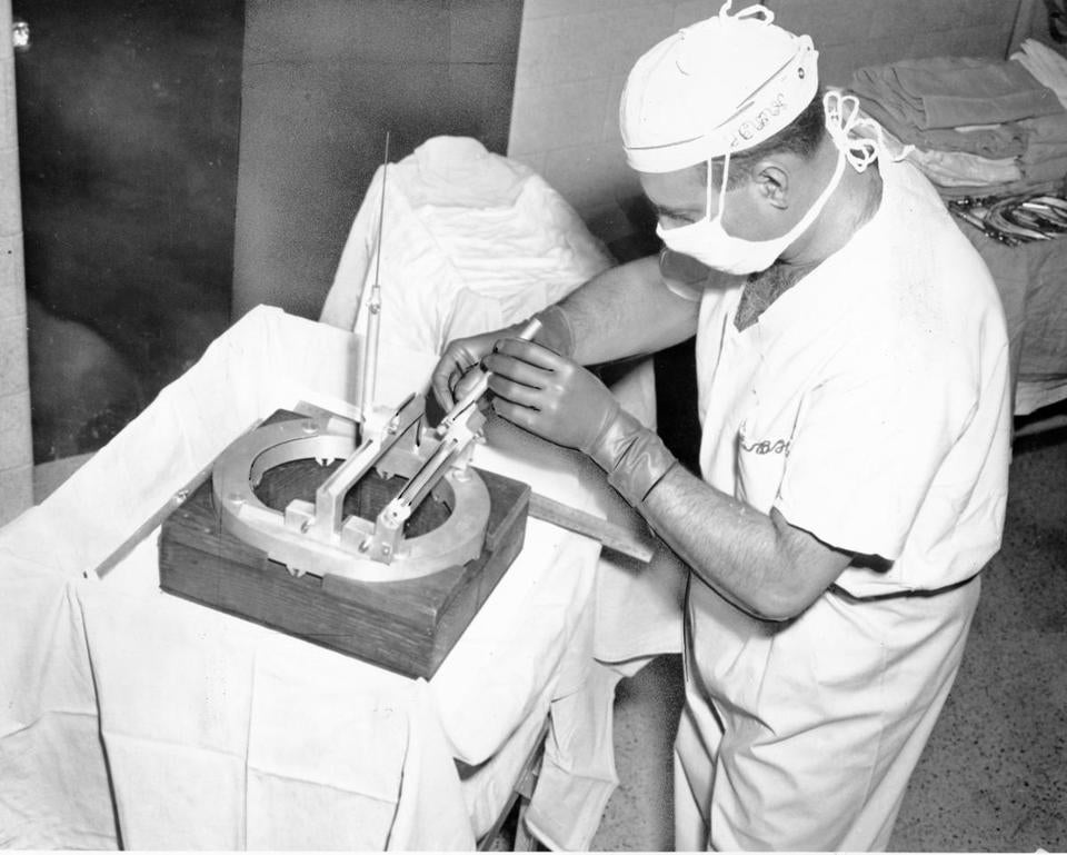Dr. Fager, shown performing neurosurgery in 1964, was known for his pioneering, innovative techniques and for high-profile patients including Ted Williams.