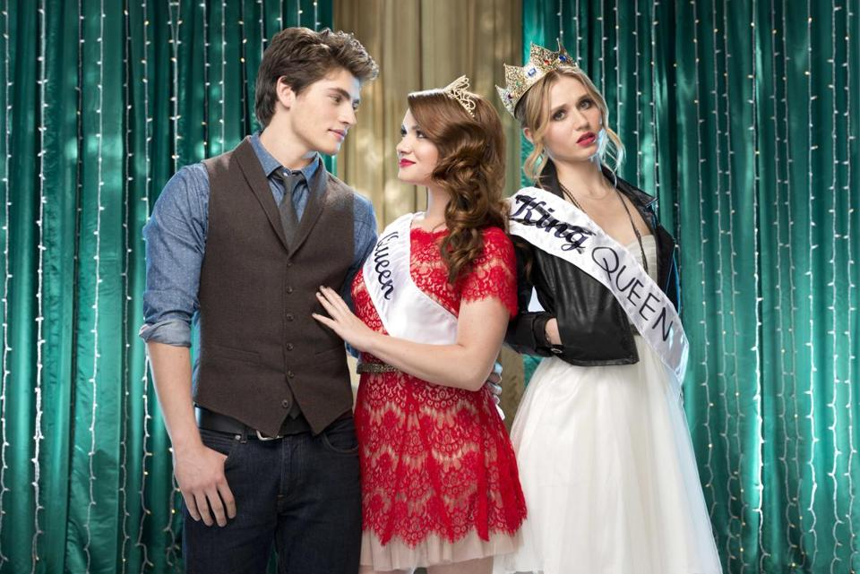 "From left: Gregg Sulkin as Liam, Katie Stevens as Karma, and Rita Volk as Amy in MTV's ""Faking It."""