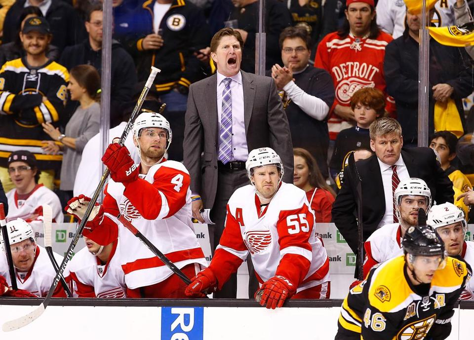 Red Wings coach Mike Babcock yelled to his players in the final minute of Sunday's game.