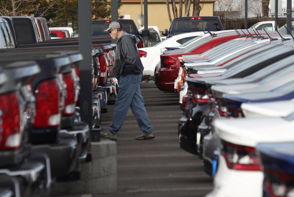 Dealers will try hard to sell extended warranties, but buyers often don't see the benefits.