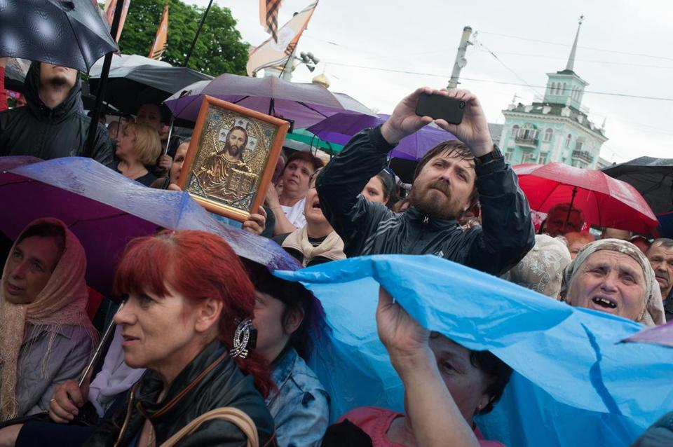 Pro-Russia protesters gathered Monday as they declared independence for the Luhansk region of eastern Ukraine.