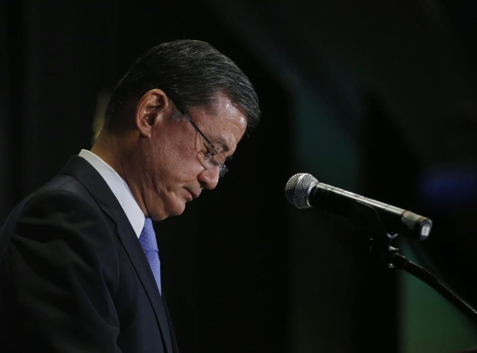 President Obama said the political storm over veterans' care had made Eric Shinseki's continuing leadership untenable.