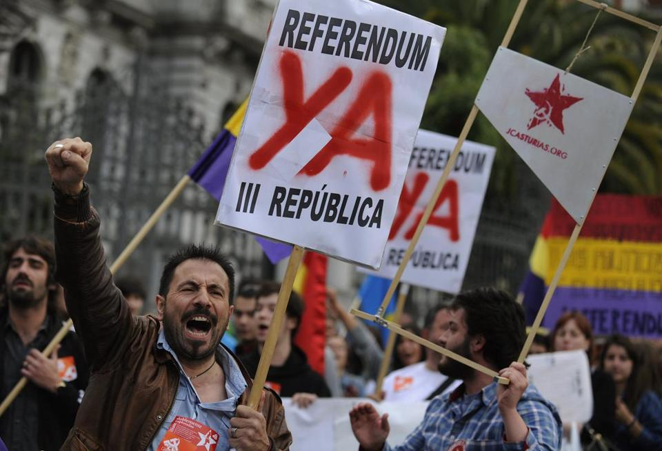 Demonstrators in Oviedo, Spain, called for an end to the monarchy, which has been plagued by scandal recently.