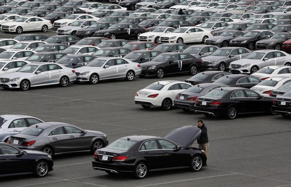 US imports climbed 1.2 percent in April to a record high of $240.6 billion, reflecting record shipment levels of foreign-made cars, food, computers, and other goods.