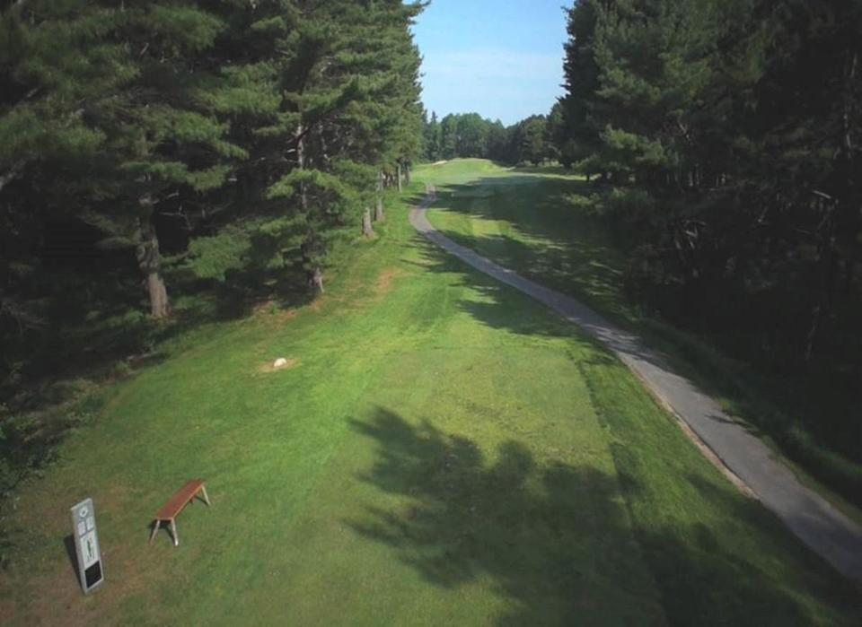 To produce a digitized version of Martindale Country Club in Auburn, Maine, drones conducted flyovers at three heights.