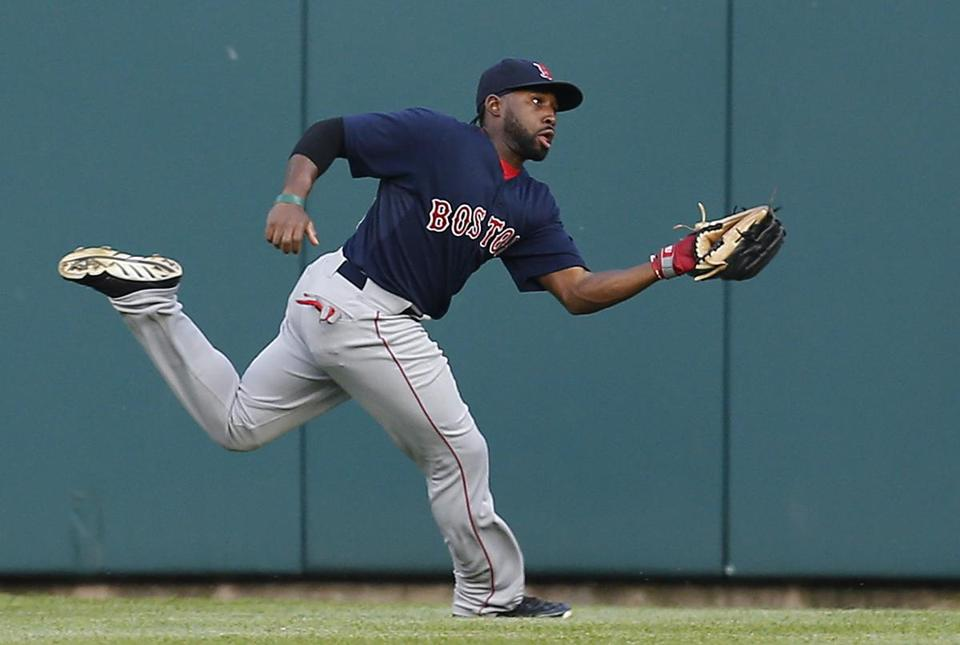 Center fielder Jackie Bradley Jr. made a running catch in the fourth inning, and the Sox ended up with a double play when Miguel Cabrera was doubled up at first. (AP Photo/Paul Sancya)