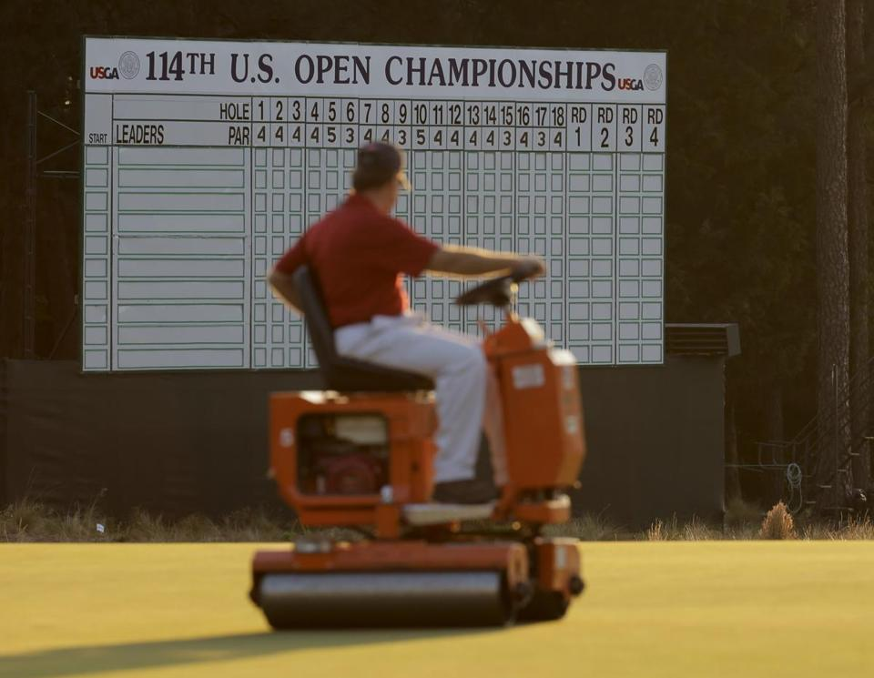 Pinehurst has a retro look, featuring plenty of sandy areas and wire grass, for the US Open this week.