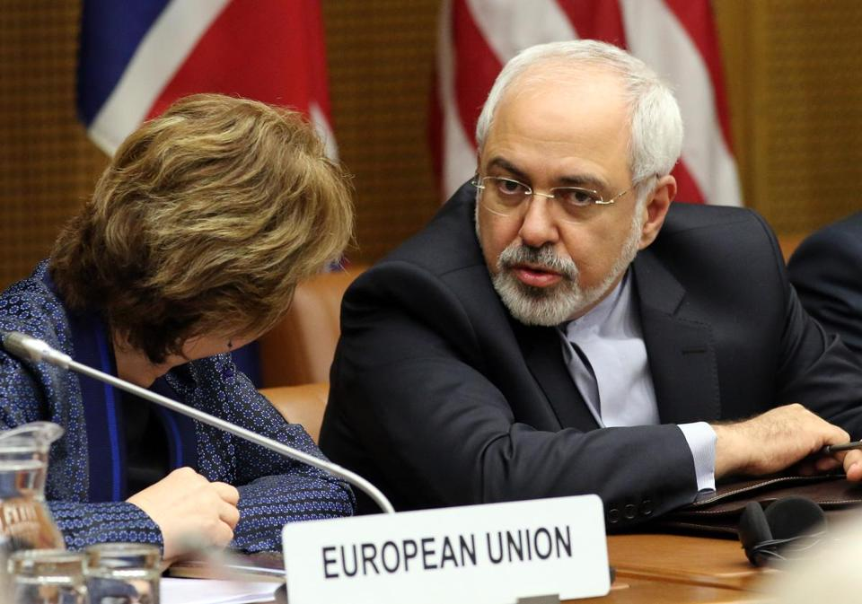 European foreign policy chief Catherine Ashton (left) and Iranian Foreign Minister Mohammad Javad Zarif waited for the start of closed-door nuclear talks in Vienna on Tuesday.