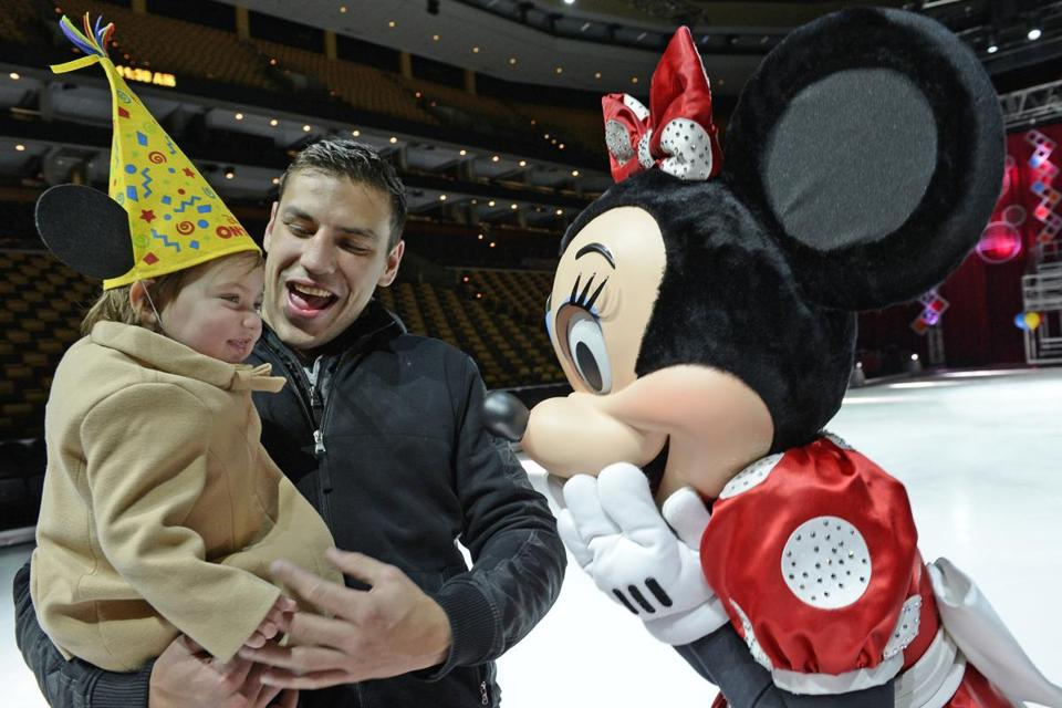 Milan Lucic introduced daughter Valentina to Minnie Mouse during a Bruins skate with Disney on Ice.