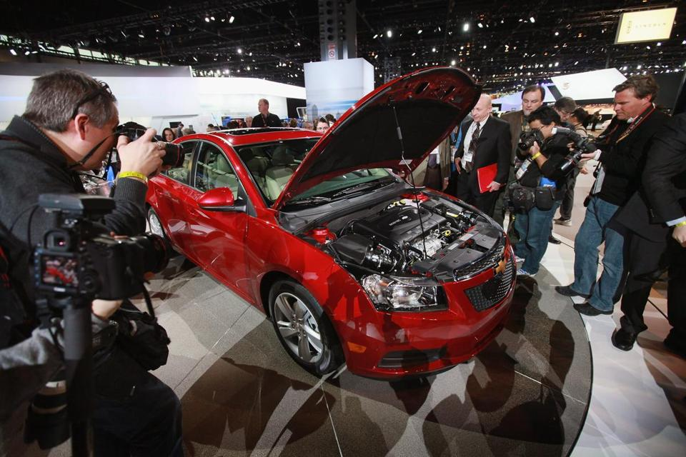 GM had notified dealers in 2013 to suspend sales of 2013 and 2014 Chevy Cruzes because of a possible air bag problem.