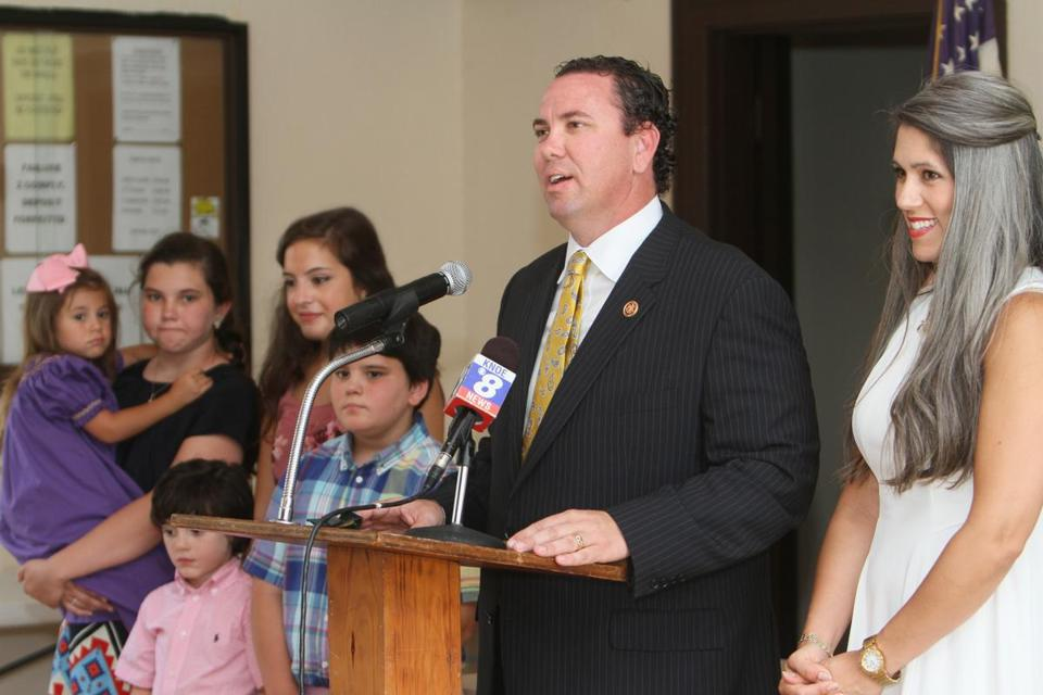 Representative Vance McAllister stood with his wife and children and announced plans to run for reelection in Monroe, La. He was seen on video kissing a married aide.