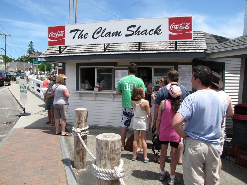 13kennebunks - The Clam Shack is a popular spot for fried clams and lobster rolls. (Necee Regis)