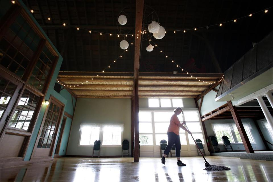 Homestead Meadows in Greenville, Wis., rents a refurbished barn for weddings.