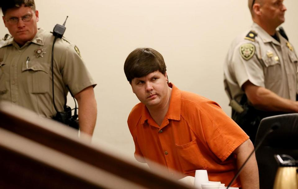 Justin Ross Harris exchanged nude photos with women the day his son died, police said.