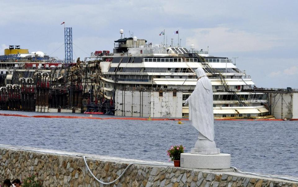 Operations to refloat and tow away the cruise liner Costa Concordia got underway on the island of Giglio, Italy.