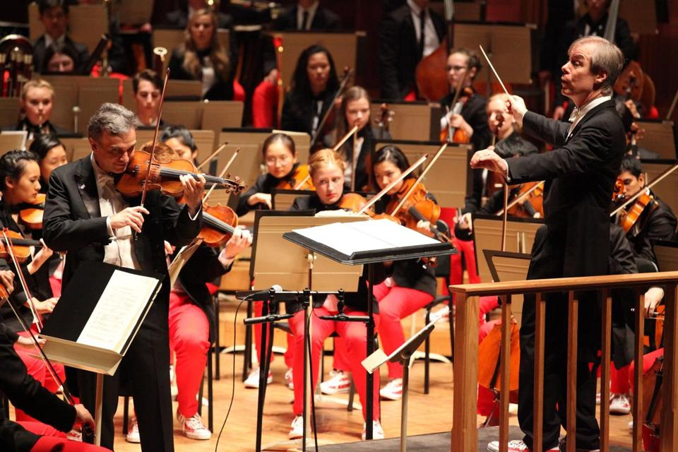 David Robertson leads the National Youth Orchestra of the United States of America at Ozawa Hall in Lenox Thursday.