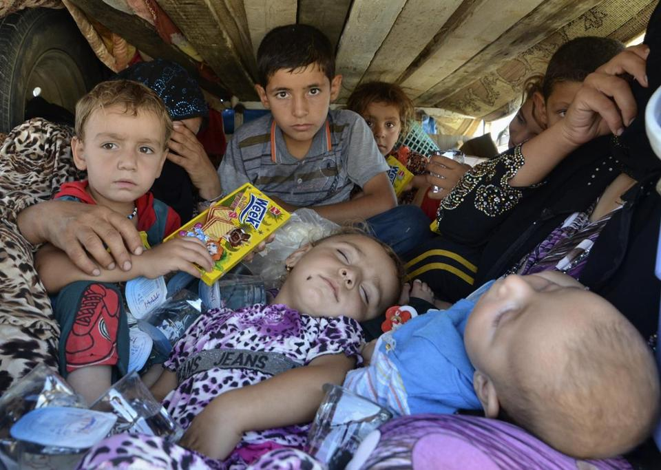 Displaced people who fled from the violence in the province of Nineveh arrived at Sulaimaniya province.