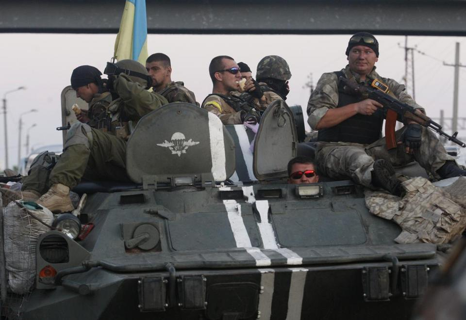 A column of Ukrainian paratroopers took a breather in Druzhkivka, part of the Donetsk region, on Tuesday.