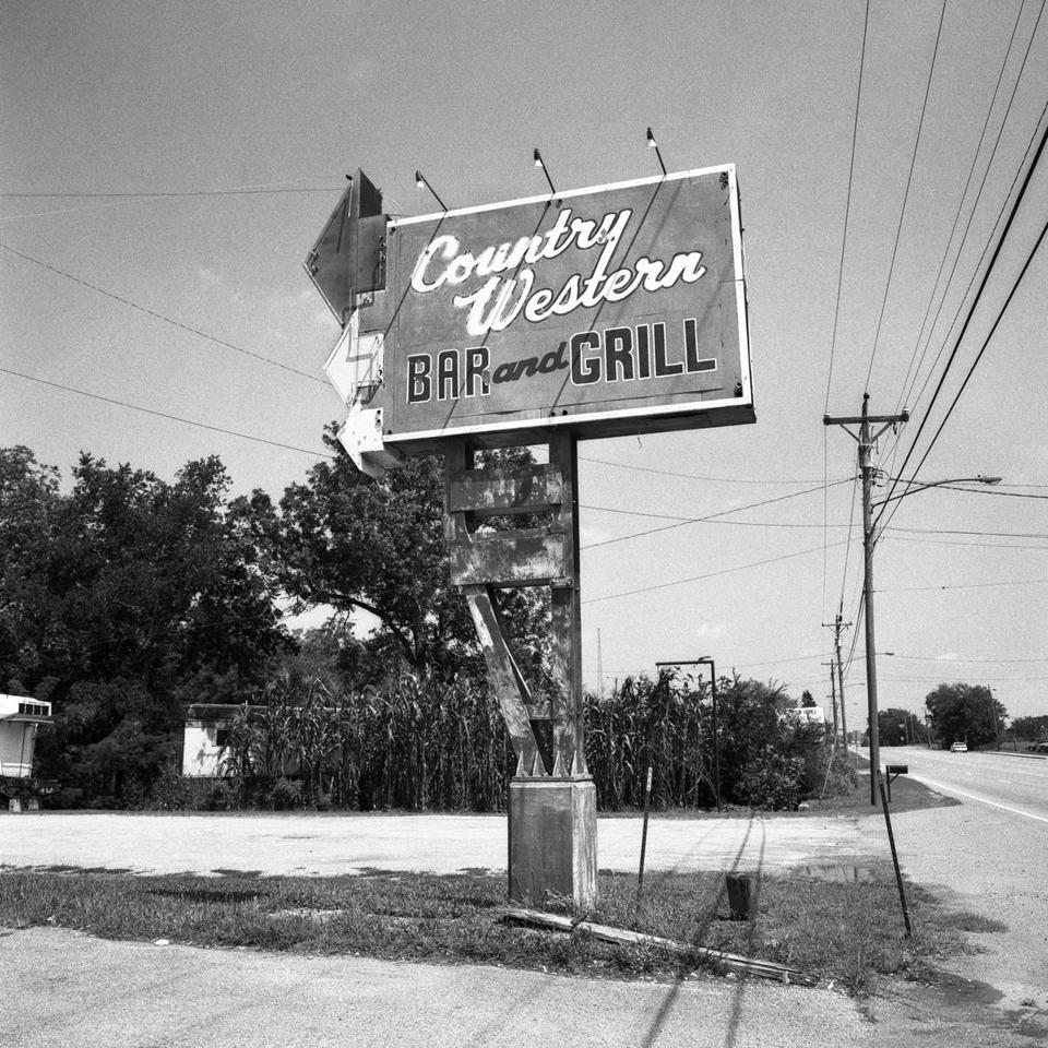 "Henry Horenstein, ""Country Western Bar and Grill, Highway 41, Nashville, Tennessee,"" 2008 -- 22honkytonk"