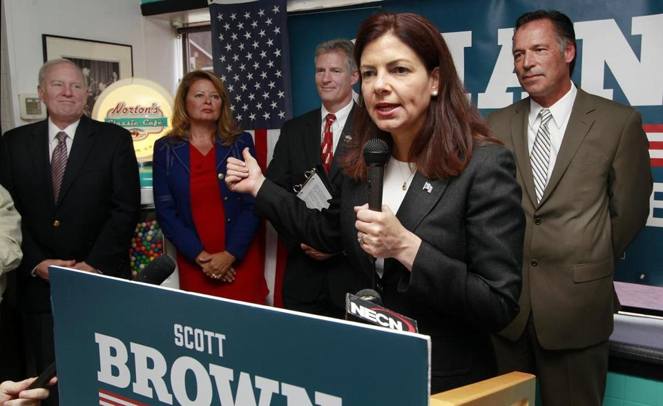 Senator Kelly Ayotte spoke at an event supporting Scott Brown, standing behind her at left.