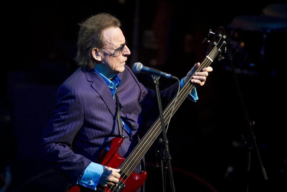 epa04463174 (FILE) A file picture dated 16 February 2013 shows former Cream bassist Jack Bruce performs during a concert in Budapest, Hungary. According to media reports, Bruce has died at the age of 71 on 25 October 2014. EPA/BALAZS MOHAI HUNGARY OUT *** Local Caption *** 50715302