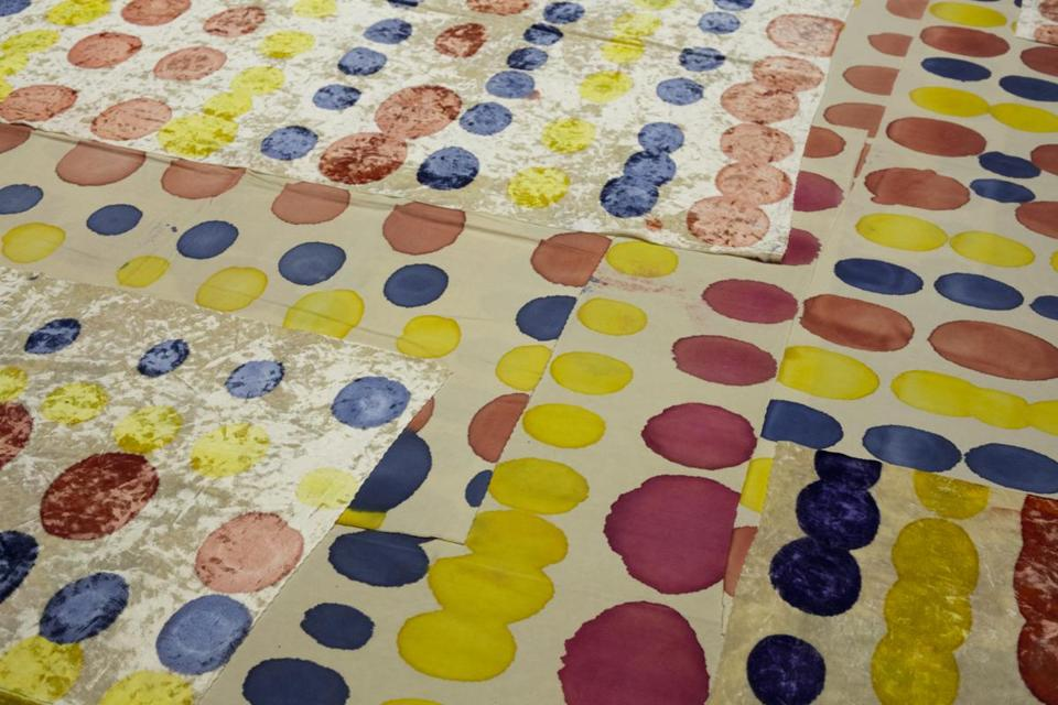 "Worcester Art Museum - Exhibition: ""Polly Apfelbaum Ð Nevermind: Work from the 90s."" Wonderbread, detail, 1993, crushed synthetic velvet, fabric dye, 157 x 146 inches (as installed). Courtesy of the artist & Clifton Benevento -- 12Apfelbaum"