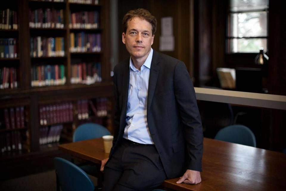 Harvard historian Sven Beckert traces the growth of the cotton industry across four centuries and six continents.
